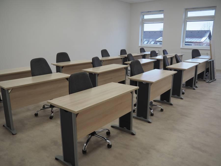 Nová školní budova se začíná chystat na první studenty