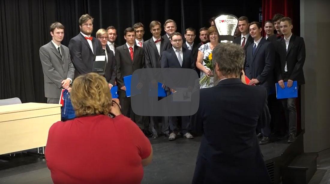 Vyřazování absolventů - video reportáž