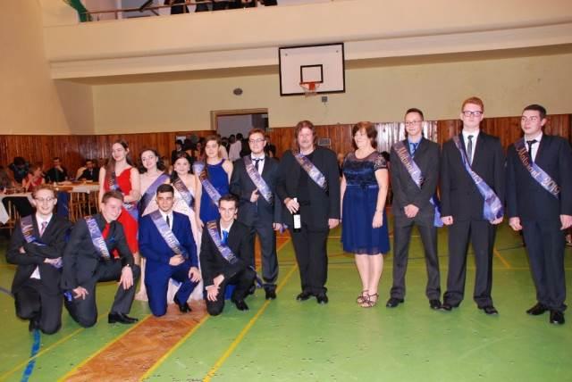 Maturitní ples posunul středoškoláky oficiálně mezi maturanty